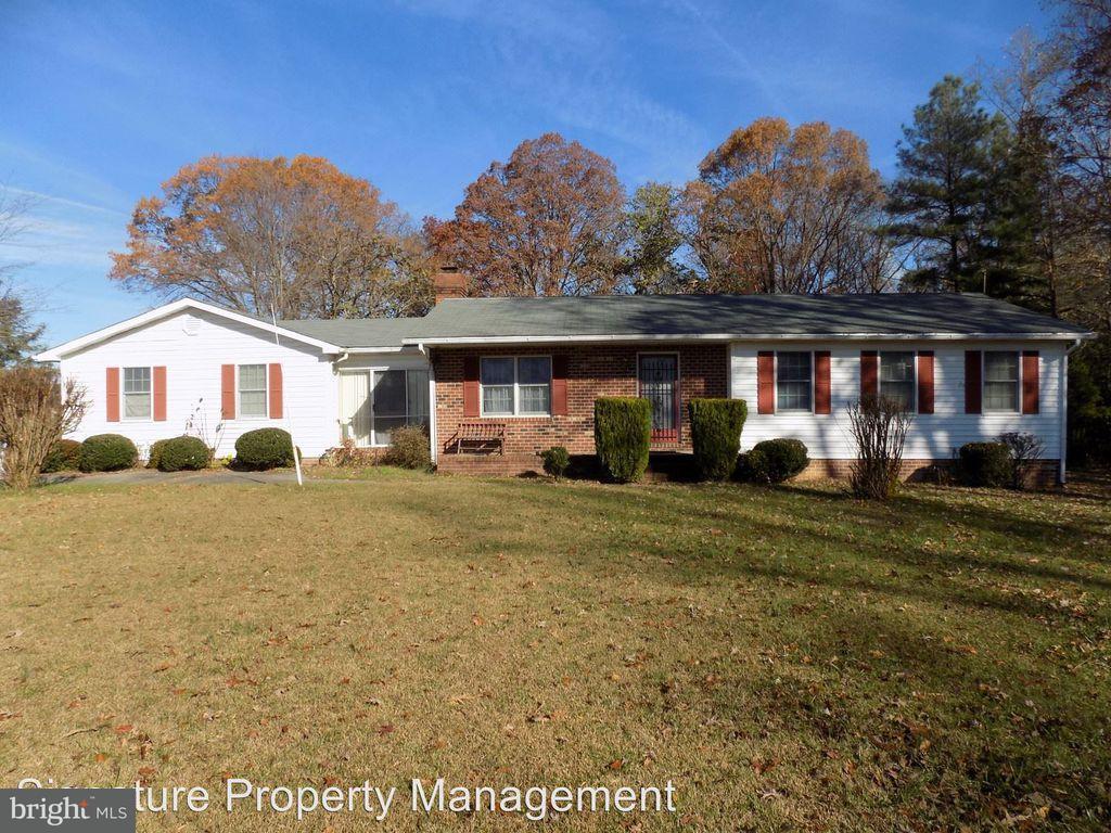 Farm for Sale at 966 Laurel Springs Rd Hustle, Virginia 22476 United States