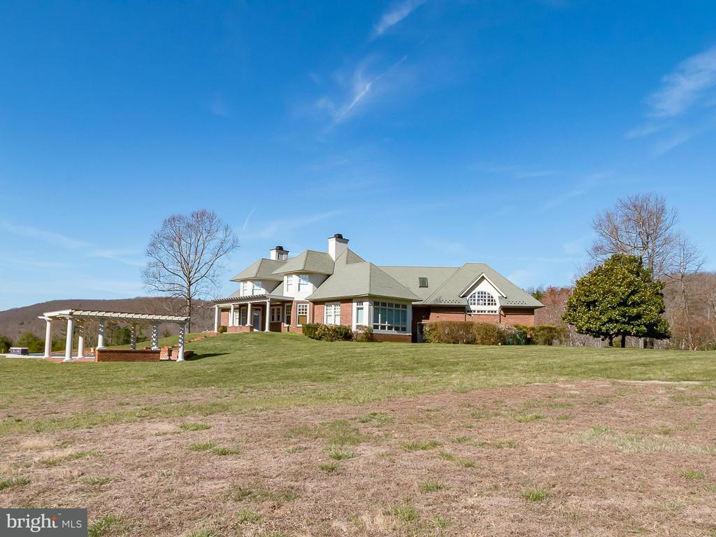 Single Family for Sale at 2992 Plank Rd North Garden, Virginia 22959 United States