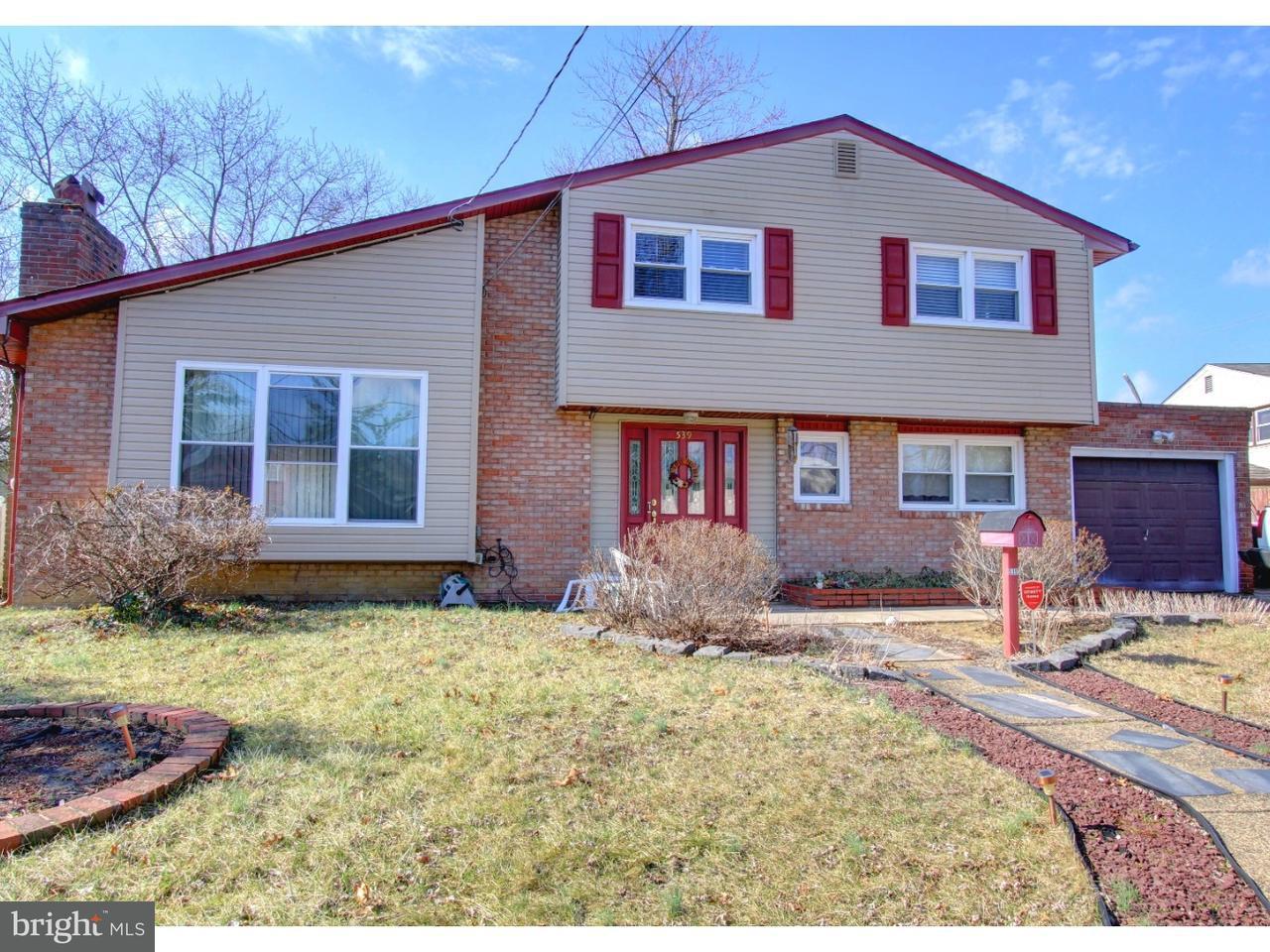 Maison unifamiliale pour l Vente à 539 FRESNO Drive Magnolia, New Jersey 08049 États-Unis