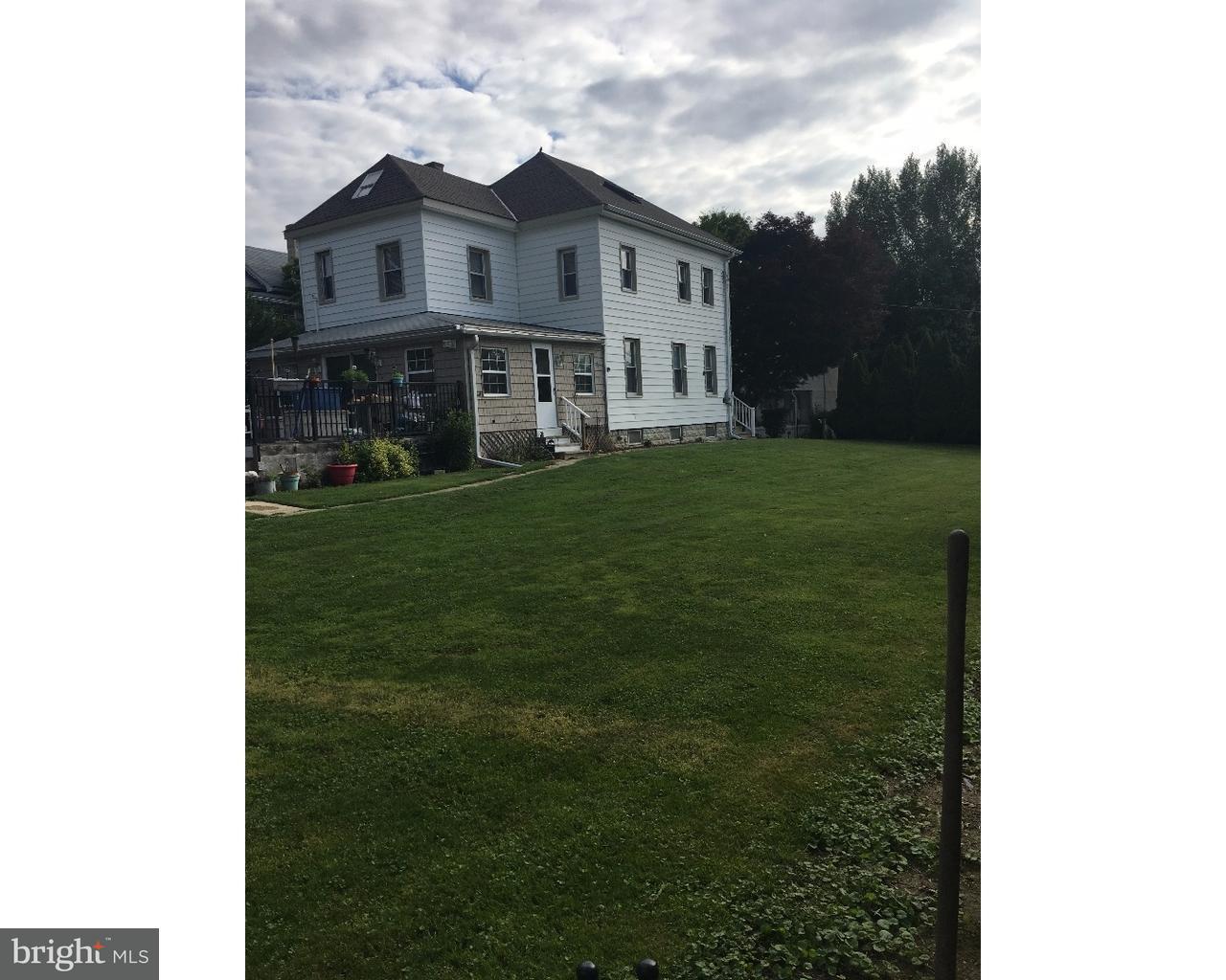 Casa Unifamiliar por un Alquiler en 225 SUMMIT Avenue Conshohocken, Pennsylvania 19428 Estados Unidos