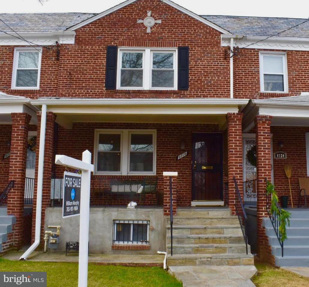 Casa unifamiliar adosada (Townhouse) por un Venta en 4718 10th St Ne 4718 10th St Ne Washington, Distrito De Columbia 20017 Estados Unidos