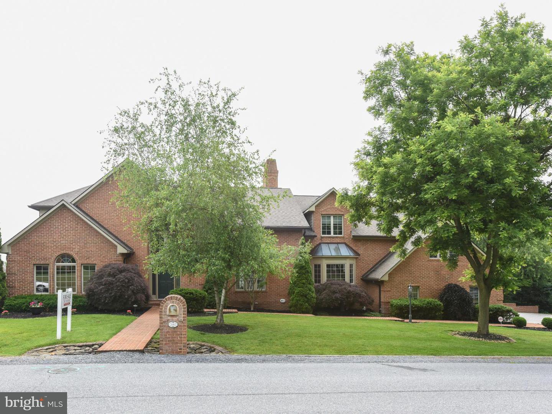 Single Family for Sale at 2162 Castlegreen Dr Greencastle, Pennsylvania 17225 United States