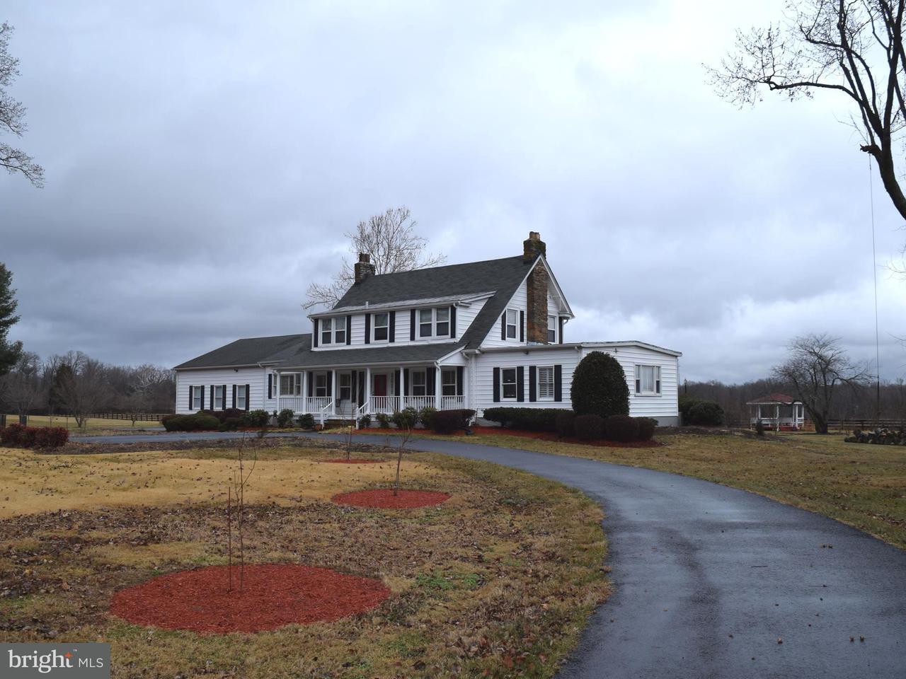 獨棟家庭住宅 為 出售 在 4455 Winchester Road 4455 Winchester Road Marshall, 弗吉尼亞州 20115 美國