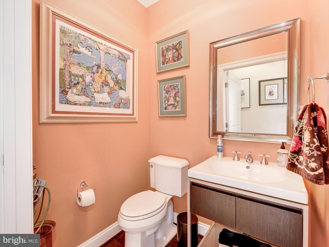 Additional photo for property listing at 10887 Symphony Park Drive 10887 Symphony Park Drive North Bethesda, Maryland 20852 États-Unis