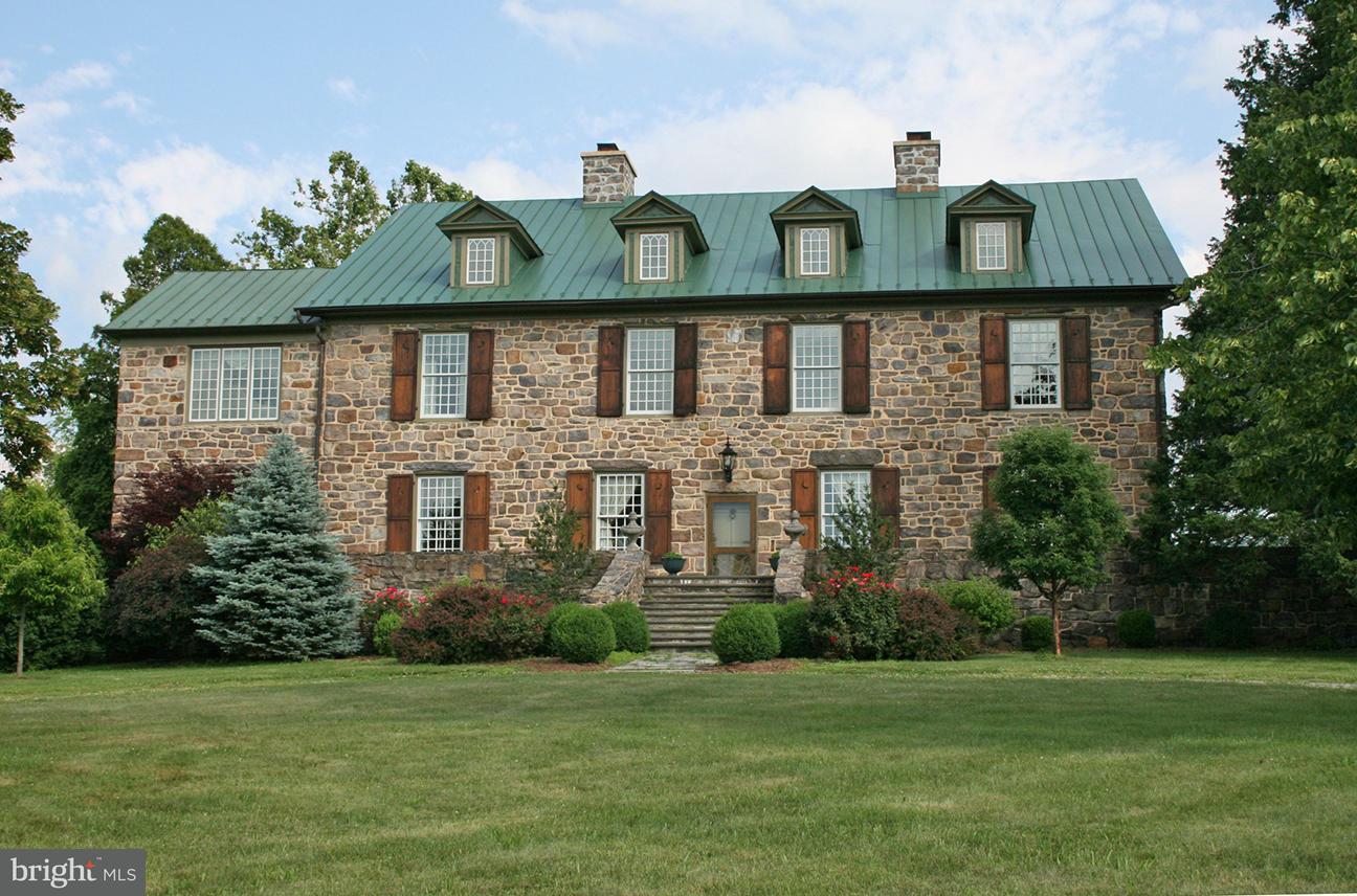 Farm for Sale at 445 Randleston Ln Bluemont, Virginia 20135 United States