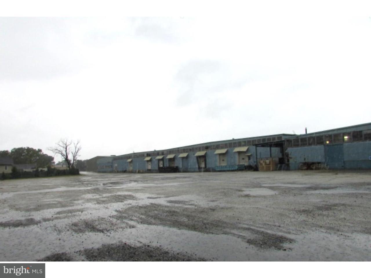 Частный односемейный дом для того Продажа на 1300 WHEATON Avenue Millville, Нью-Джерси 08332 Соединенные Штаты