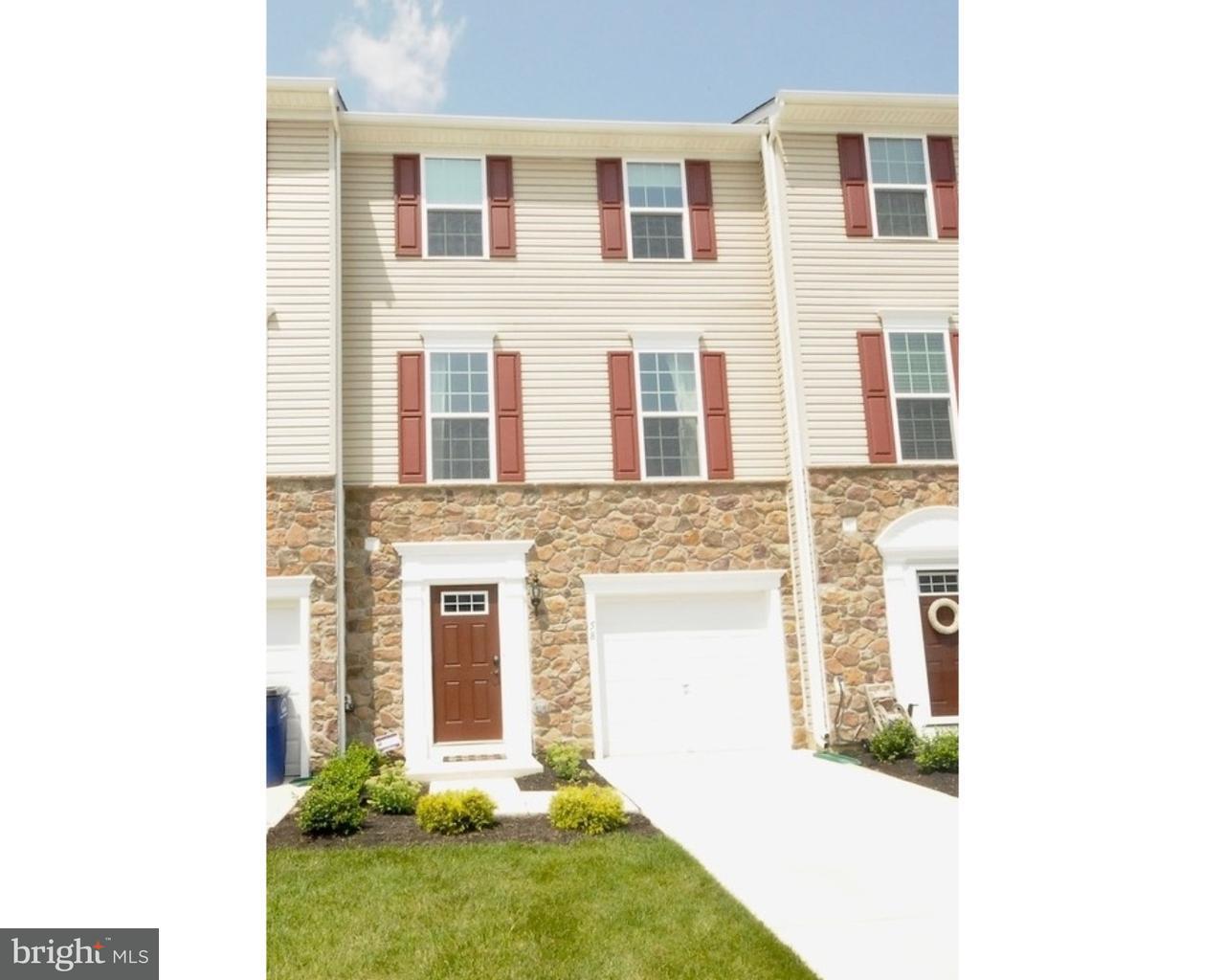 独户住宅 为 销售 在 58 BENFORD Lane Edgewater Park, 新泽西州 08010 美国