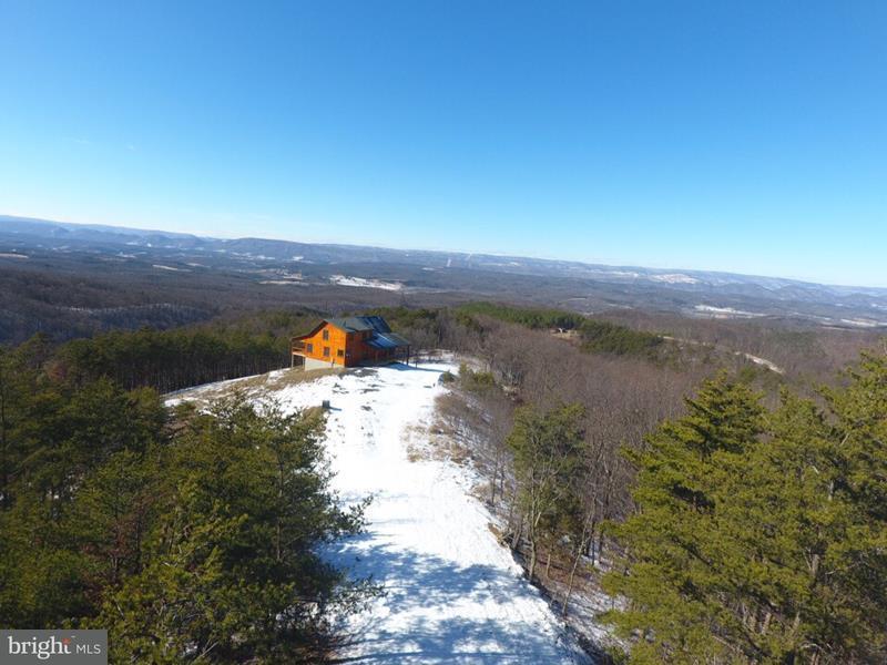 Vivienda unifamiliar por un Venta en 1416 Bluffs Lookout Road 1416 Bluffs Lookout Road Fort Ashby, West Virginia 26719 Estados Unidos