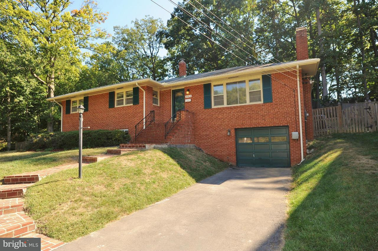 Single Family Home for Sale at 5901 Bush Hill Drive 5901 Bush Hill Drive Alexandria, Virginia 22310 United States