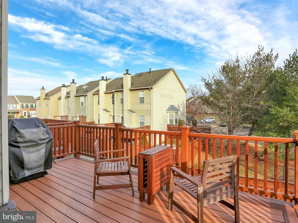 Additional photo for property listing at 6013 Kestner Circle 6013 Kestner Circle Alexandria, Virginia 22315 États-Unis