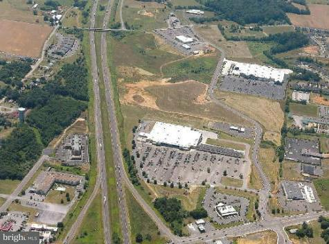 Commercial for Sale at 1 Henry Dr Woodstock, Virginia 22664 United States
