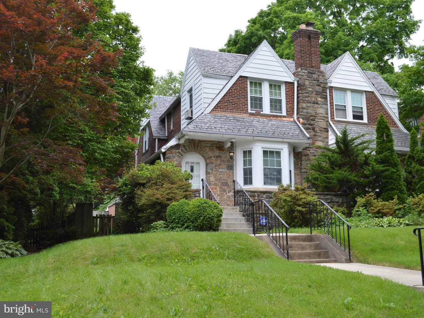 Single Family for Sale at 2229 Lake Ave Baltimore, Maryland 21213 United States