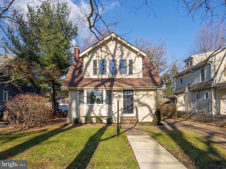Частный односемейный дом для того Продажа на 259 NEW JERSEY Avenue Haddon Township, Нью-Джерси 08108 Соединенные Штаты