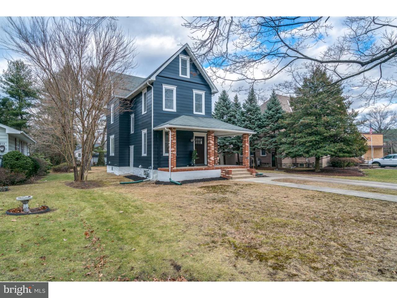 Частный односемейный дом для того Продажа на 215 LINDEN Avenue Riverton, Нью-Джерси 08077 Соединенные Штаты