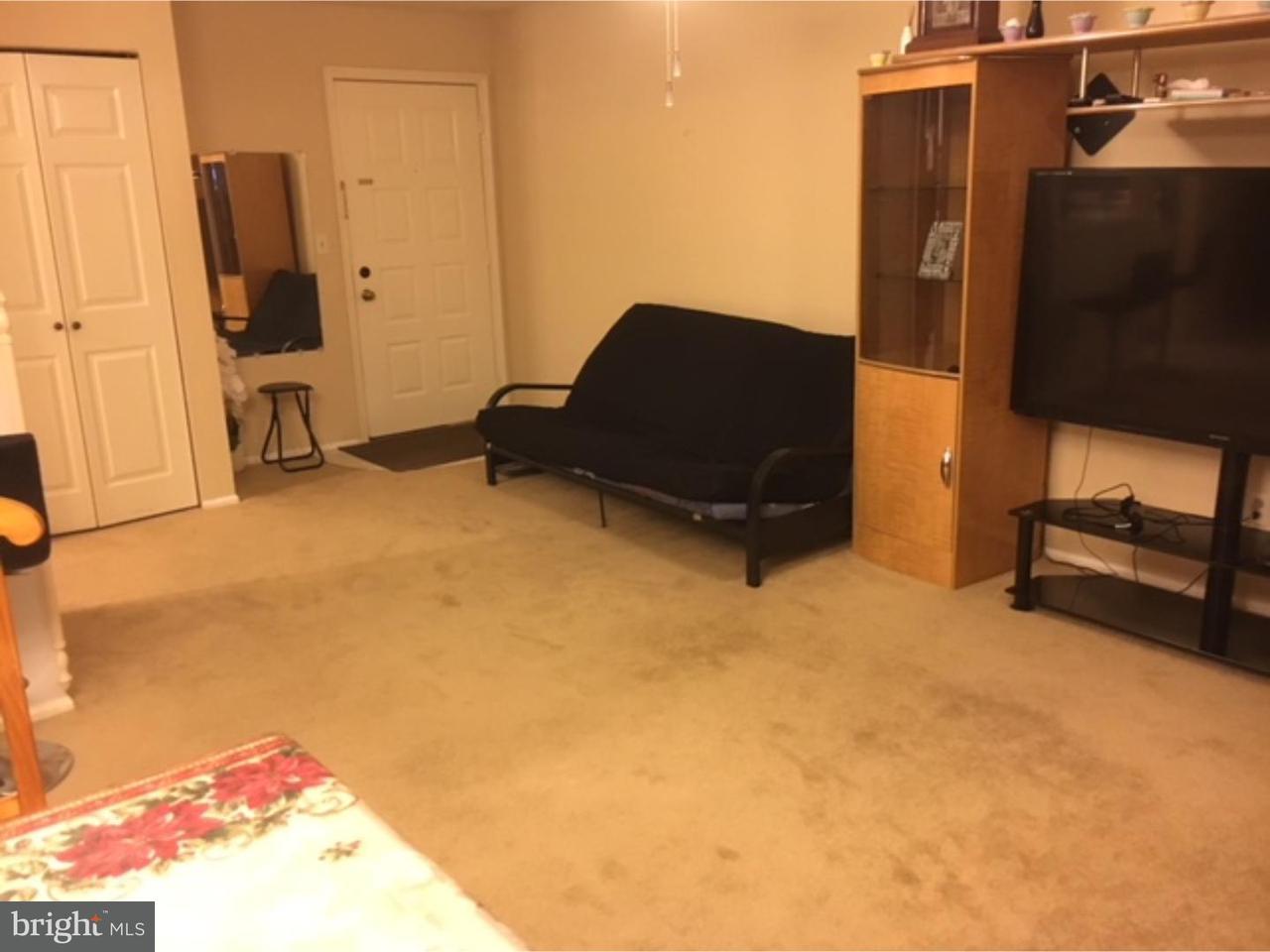 Maison unifamiliale pour l à louer à 112 HENLEY Drive Somerset, New Jersey 08873 États-UnisDans/Autour: Franklin Township