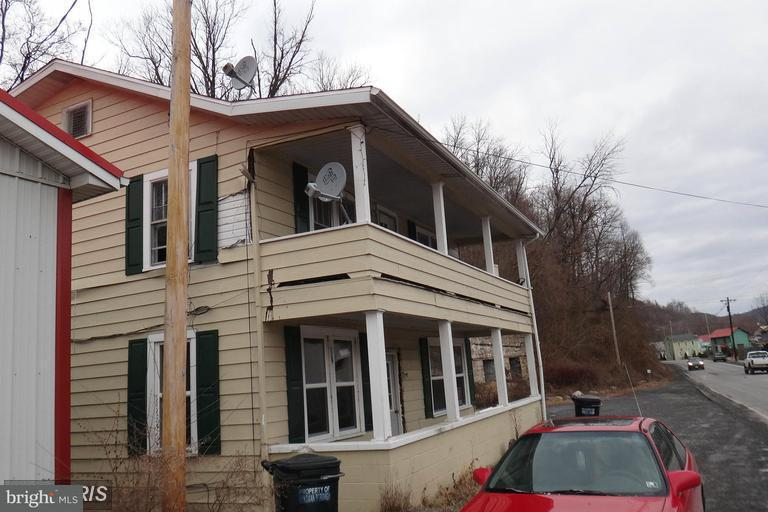 Single Family for Sale at 3833 Center St Hyndman, Pennsylvania 15545 United States