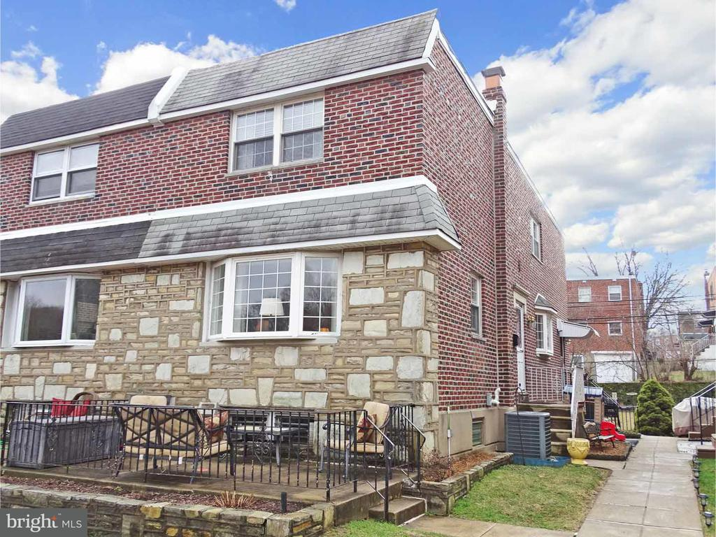 2928 SANDYFORD RD, Philadelphia PA 19152