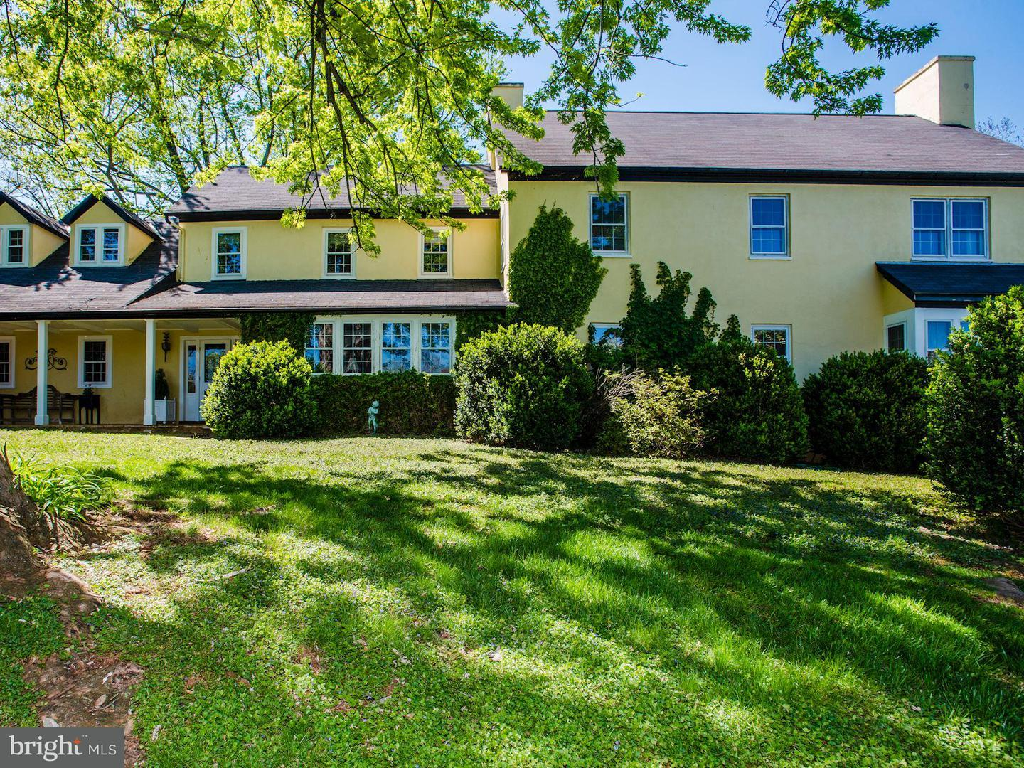 Single Family for Sale at 4517 Winchester Rd Marshall, Virginia 20115 United States