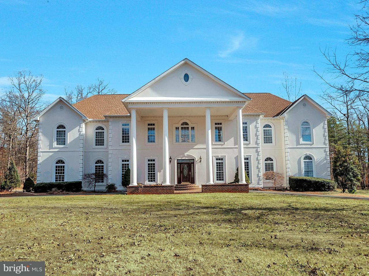 Casa Unifamiliar por un Venta en 1471 Spotswood Drive 1471 Spotswood Drive Locust Grove, Virginia 22508 Estados Unidos