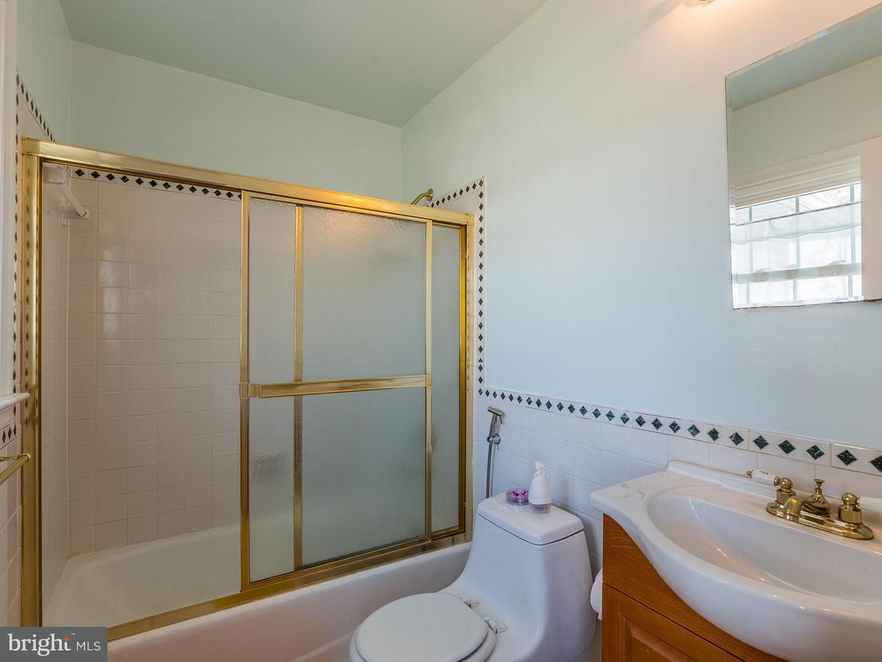 Additional photo for property listing at 4306 Elmwood Drive 4306 Elmwood Drive Alexandria, Virginia 22310 Stati Uniti