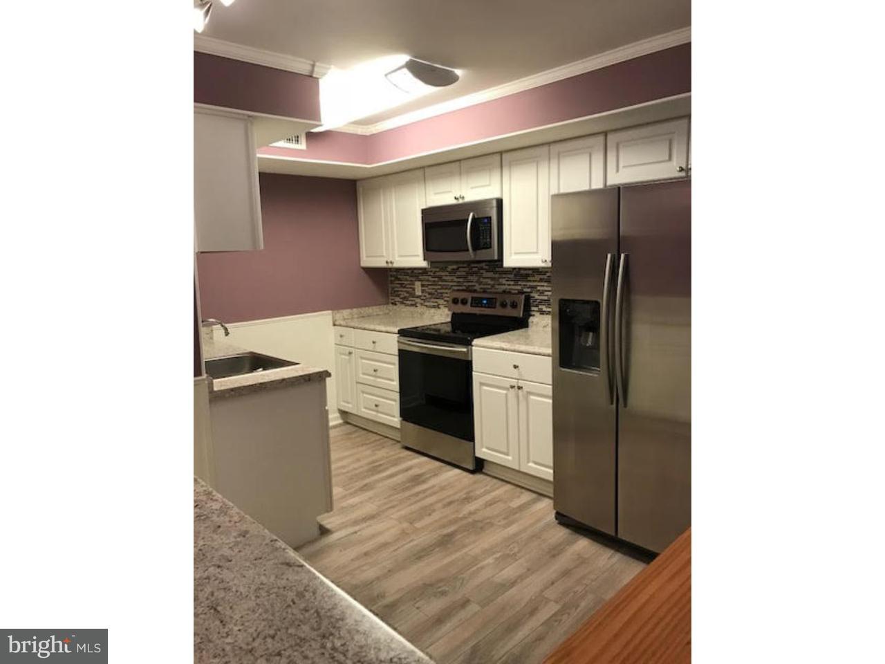 Maison unifamiliale pour l à louer à 115 E KINGS HWY #212 Maple Shade, New Jersey 08052 États-Unis