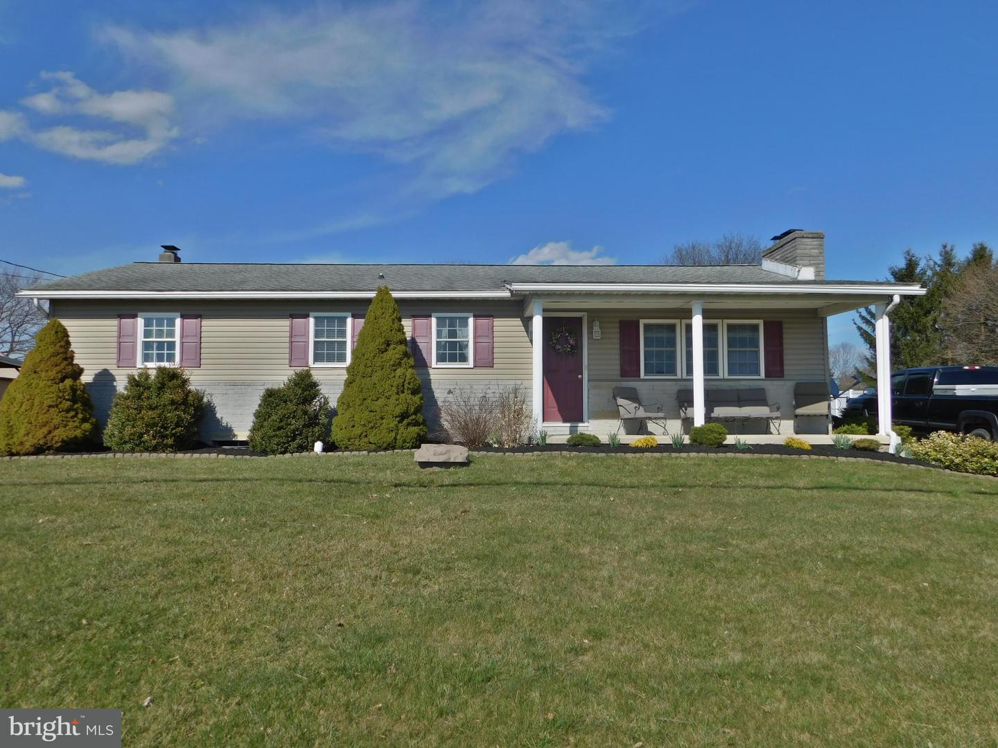 Single Family for Sale at 5985 Orrstown Rd Orrstown, Pennsylvania 17244 United States