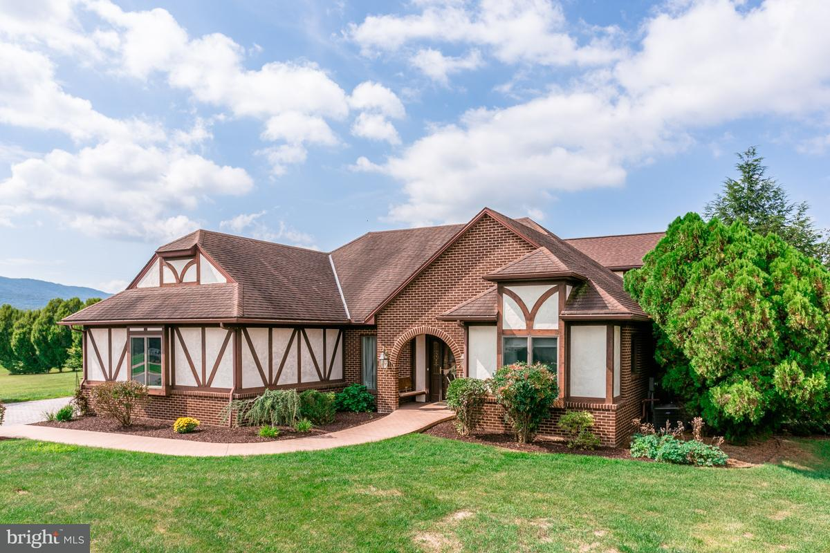 Single Family for Sale at 4 Tee Ct New Market, Virginia 22844 United States