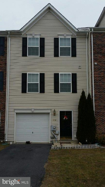 Other Residential for Rent at 219 Rumbling Rock Dr Hedgesville, West Virginia 25427 United States