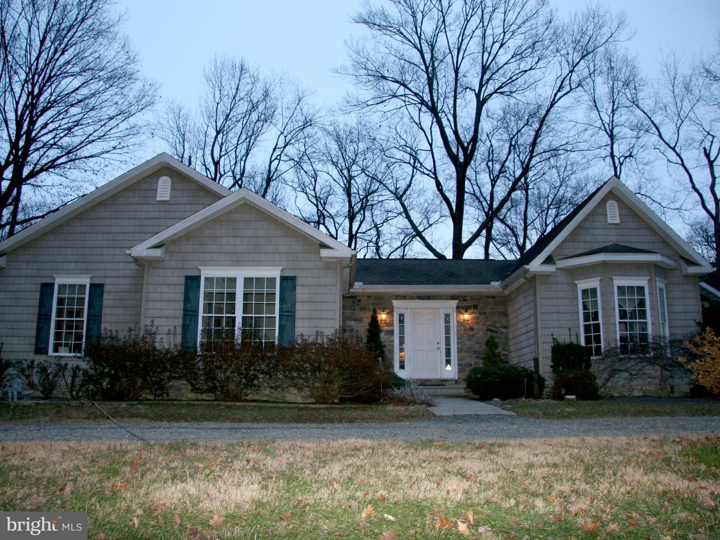 Single Family for Sale at 28560 Cove Point Rd Kennedyville, Maryland 21645 United States