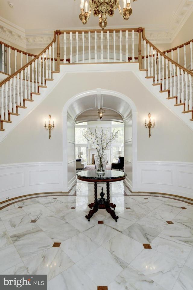 Additional photo for property listing at 19 Piney Glen Court 19 Piney Glen Court Potomac, Μεριλαντ 20854 Ηνωμενεσ Πολιτειεσ
