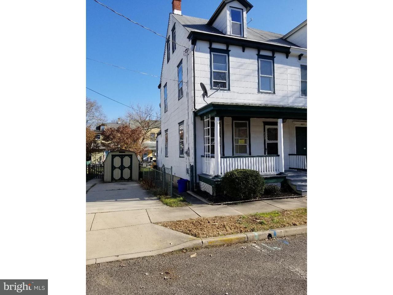 联栋屋 为 出租 在 423 WOOD Street Burlington, 新泽西州 08016 美国