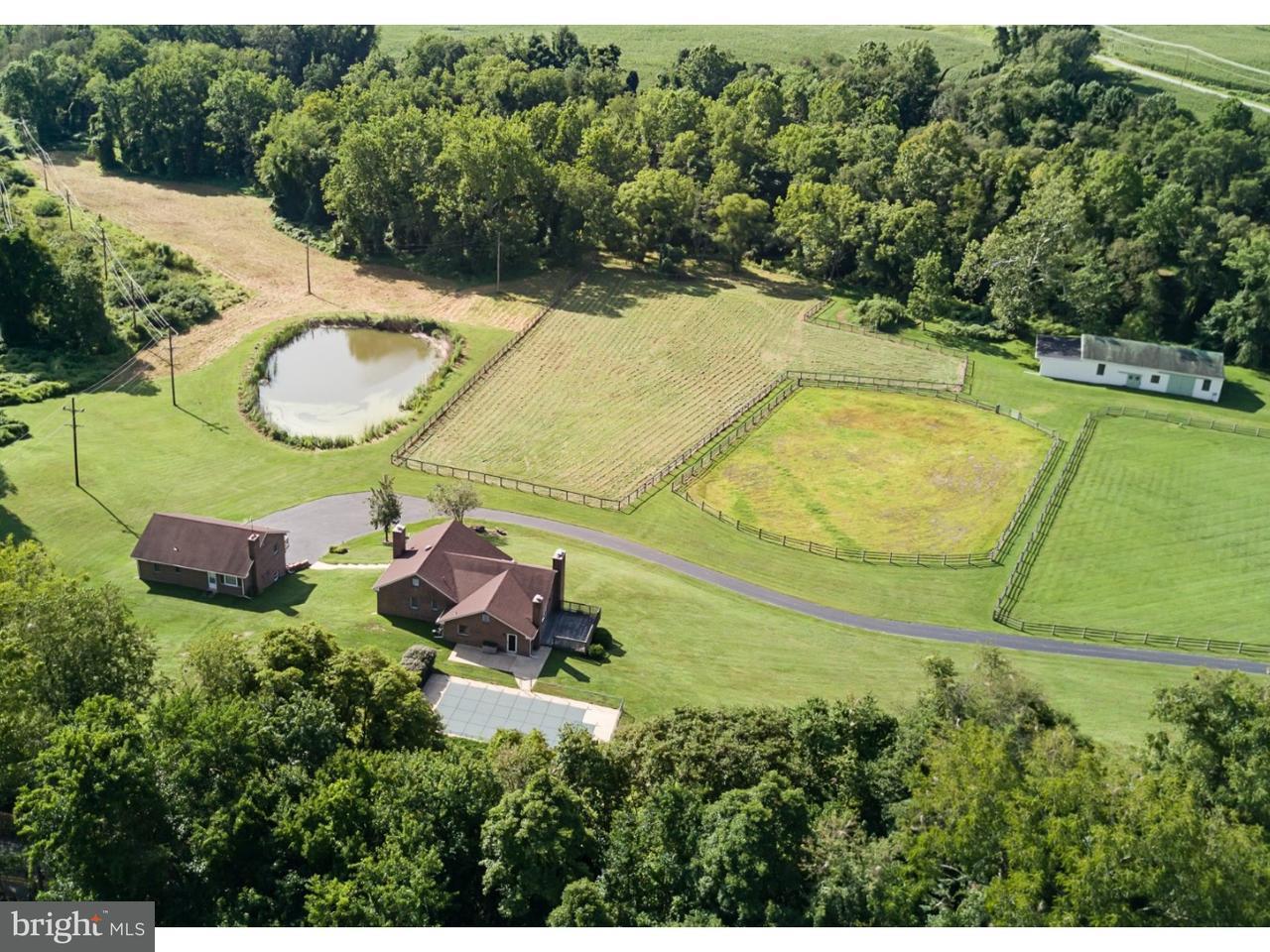 独户住宅 为 销售 在 512 CHESTERVILLE Road 兰登伯格, 宾夕法尼亚州 19350 美国