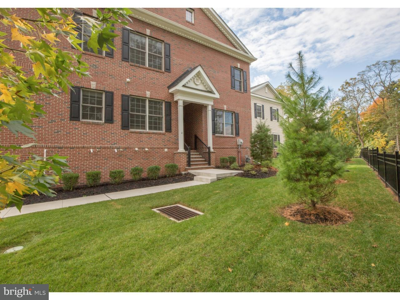 Maison accolée pour l Vente à 2 WAYFARING Lane Yardley, Pennsylvanie 19067 États-Unis