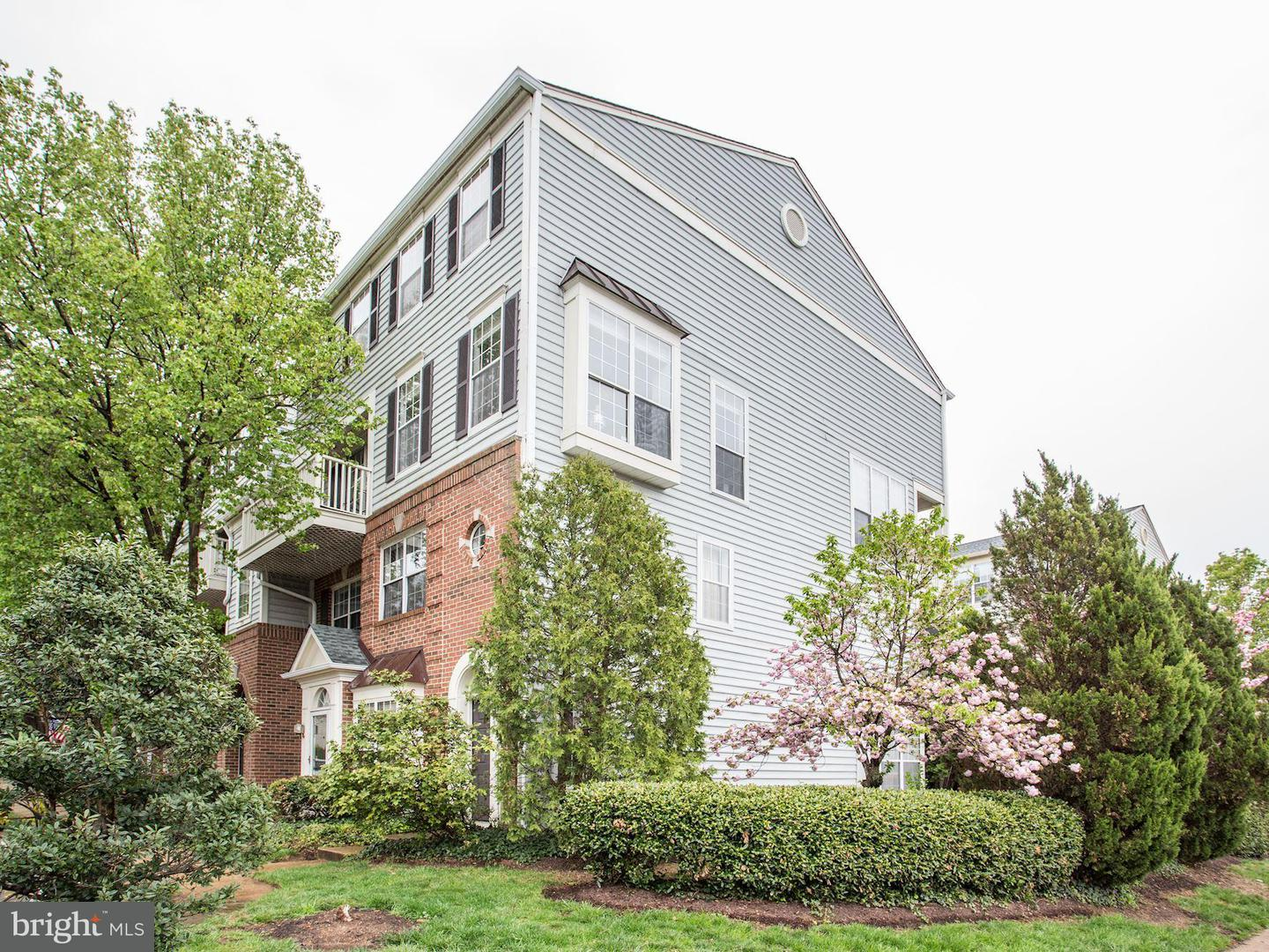Single Family for Sale at 1734 Kingsgate Ct #303 Alexandria, Virginia 22302 United States