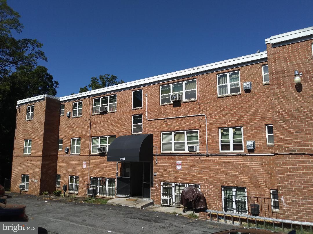 Vivienda multifamiliar por un Venta en 526 59th St Ne 526 59th St Ne Washington, Distrito De Columbia 20019 Estados Unidos