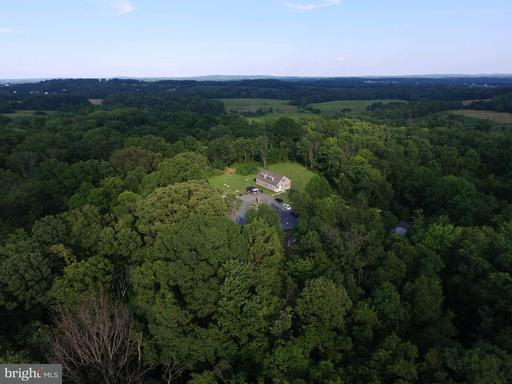 Property for sale at 19068 Airmont Rd, Purcellville,  VA 20132