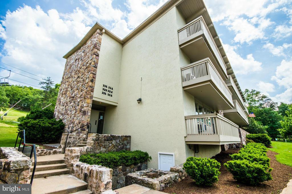 Condominium for Sale at 301 Fairway Dr #300 Basye, Virginia 22810 United States