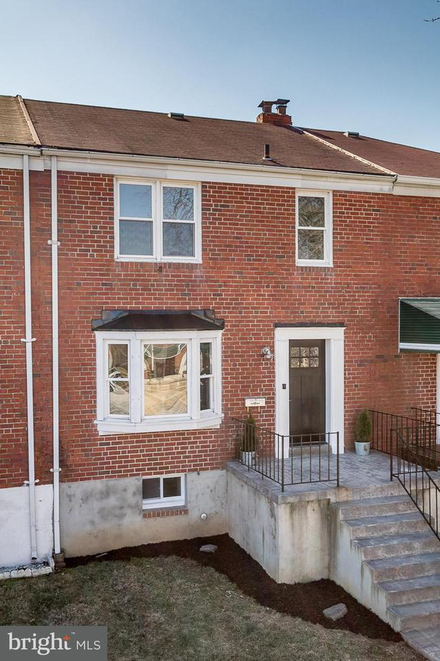 Single Family for Sale at 712 Stamford Rd Baltimore, Maryland 21229 United States