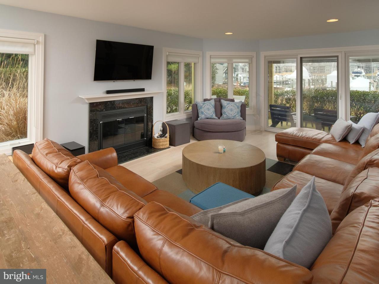 Condominium for Sale at 2112 Chesapeake Harbour Dr E #T-1 2112 Chesapeake Harbour Dr E #T-1 Annapolis, Maryland 21403 United States