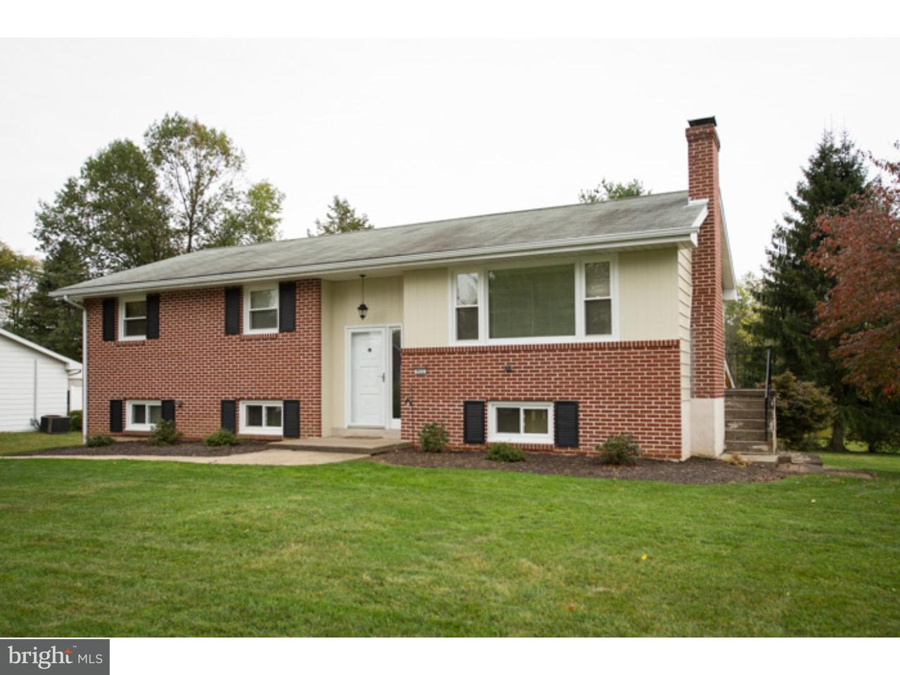 Single Family Home for Rent at 952 POPLAR Street Coopersburg, Pennsylvania 18036 United States