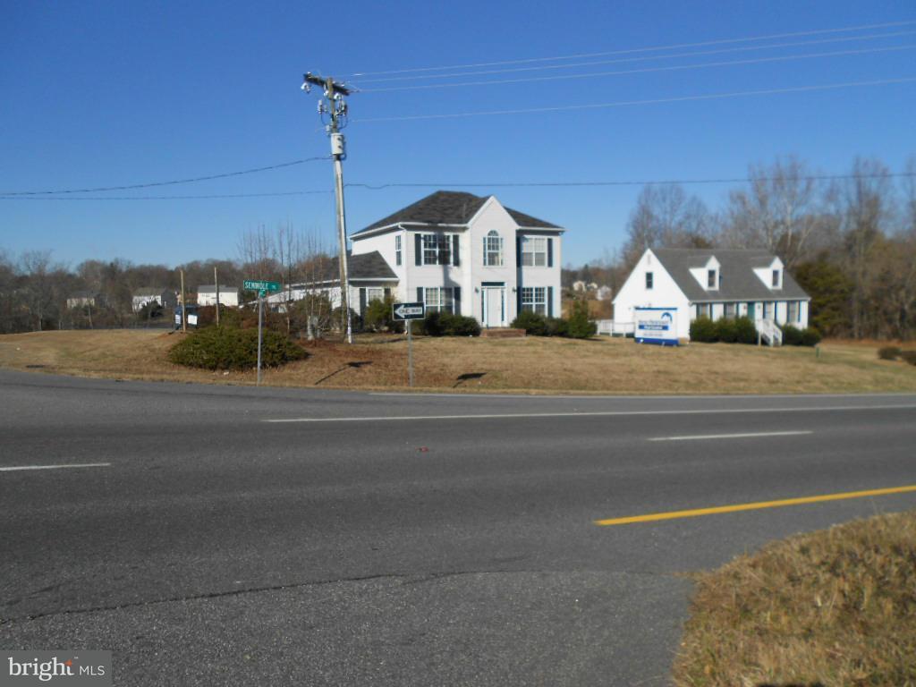 Commercial pour l Vente à 20 Buck Drive 20 Buck Drive Ruckersville, Virginia 22968 États-Unis