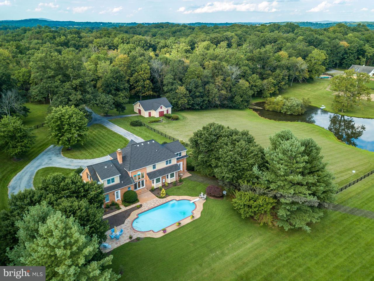 Single Family for Sale at 20082 Unison Rd Purcellville, Virginia 20132 United States