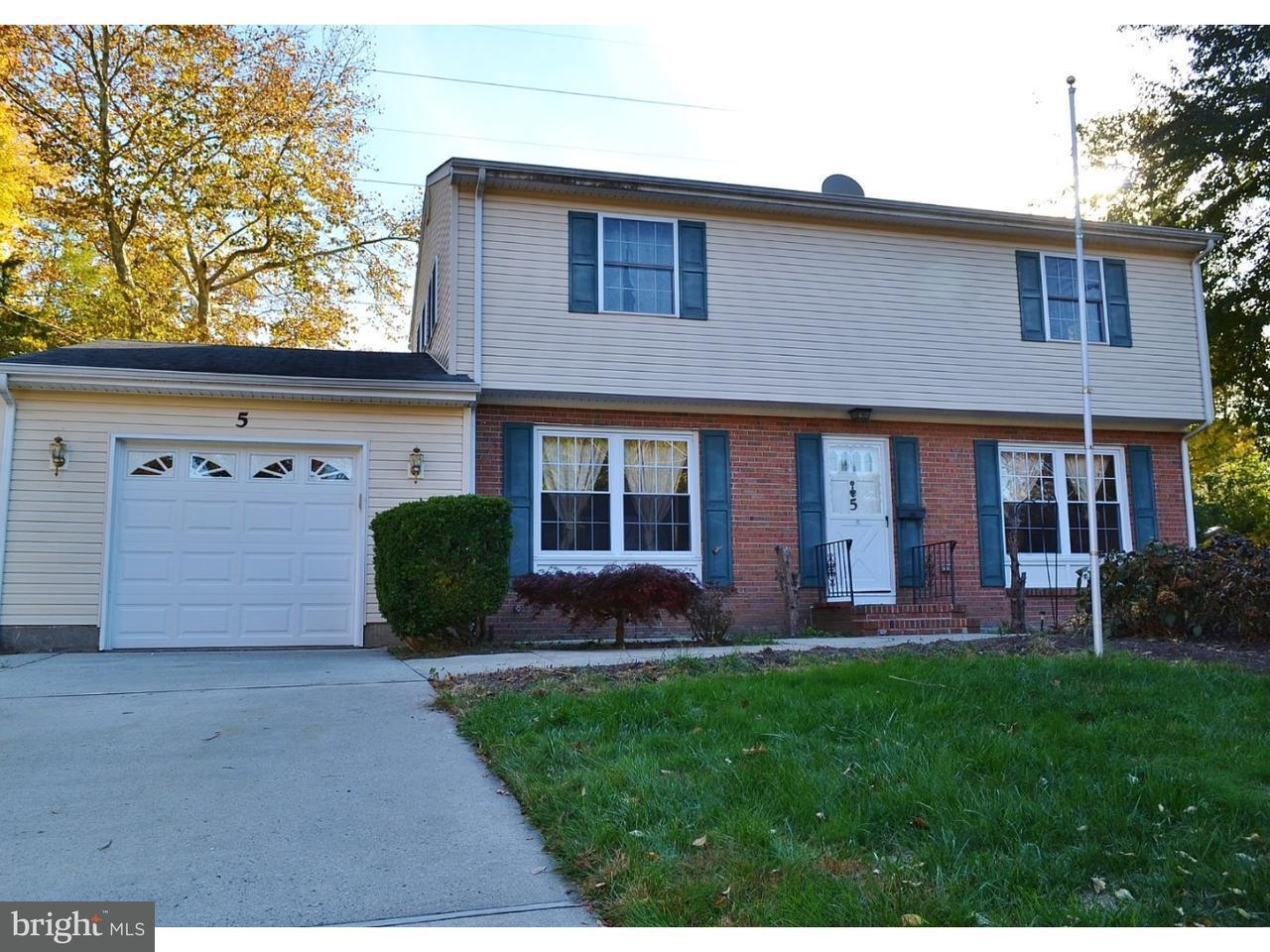 Casa Unifamiliar por un Venta en 5 DOGWOOD Drive Lawrence, Nueva Jersey 08648 Estados UnidosEn/Alrededor: Lawrence Township