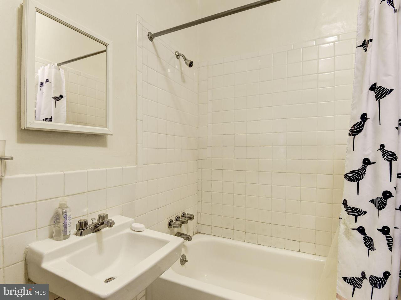 Additional photo for property listing at 2305 17th St Nw 2305 17th St Nw Washington, Περιφερεια Τησ Κολουμπια 20009 Ηνωμενεσ Πολιτειεσ
