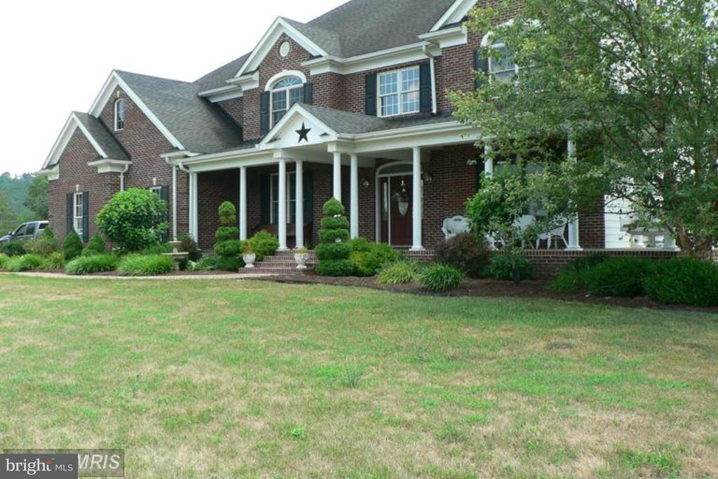 Photo of home for sale at 233 Yokum Hollow Road, Petersburg WV
