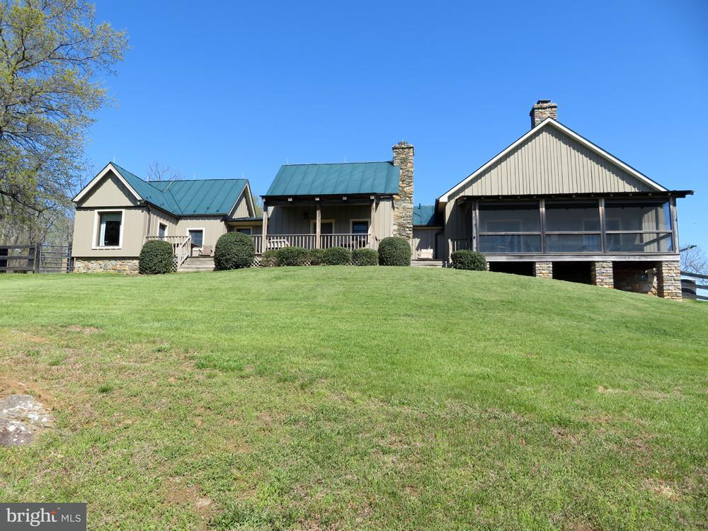 Farm for Sale at 43 Grunkle Ln Flint Hill, Virginia 22627 United States
