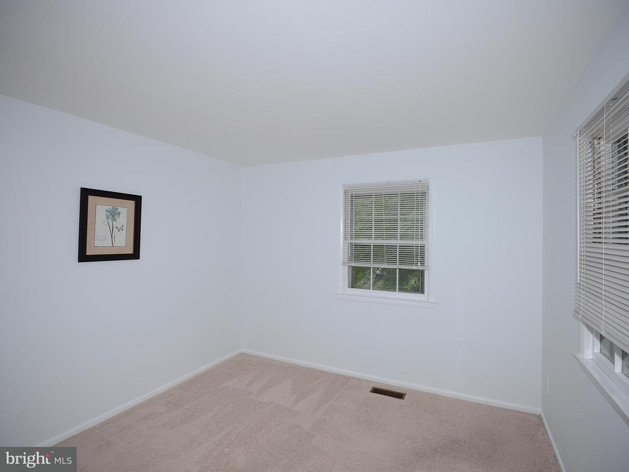 Additional photo for property listing at 10226 Confederate Lane 10226 Confederate Lane Fairfax, 弗吉尼亞州 22030 美國