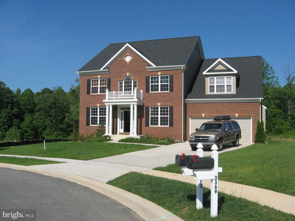 獨棟家庭住宅 為 出售 在 3373 Kilburn Court 3373 Kilburn Court White Plains, 馬里蘭州 20695 美國