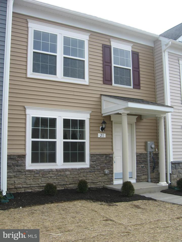 Other Residential for Rent at 21 Darien Dr Bunker Hill, West Virginia 25413 United States