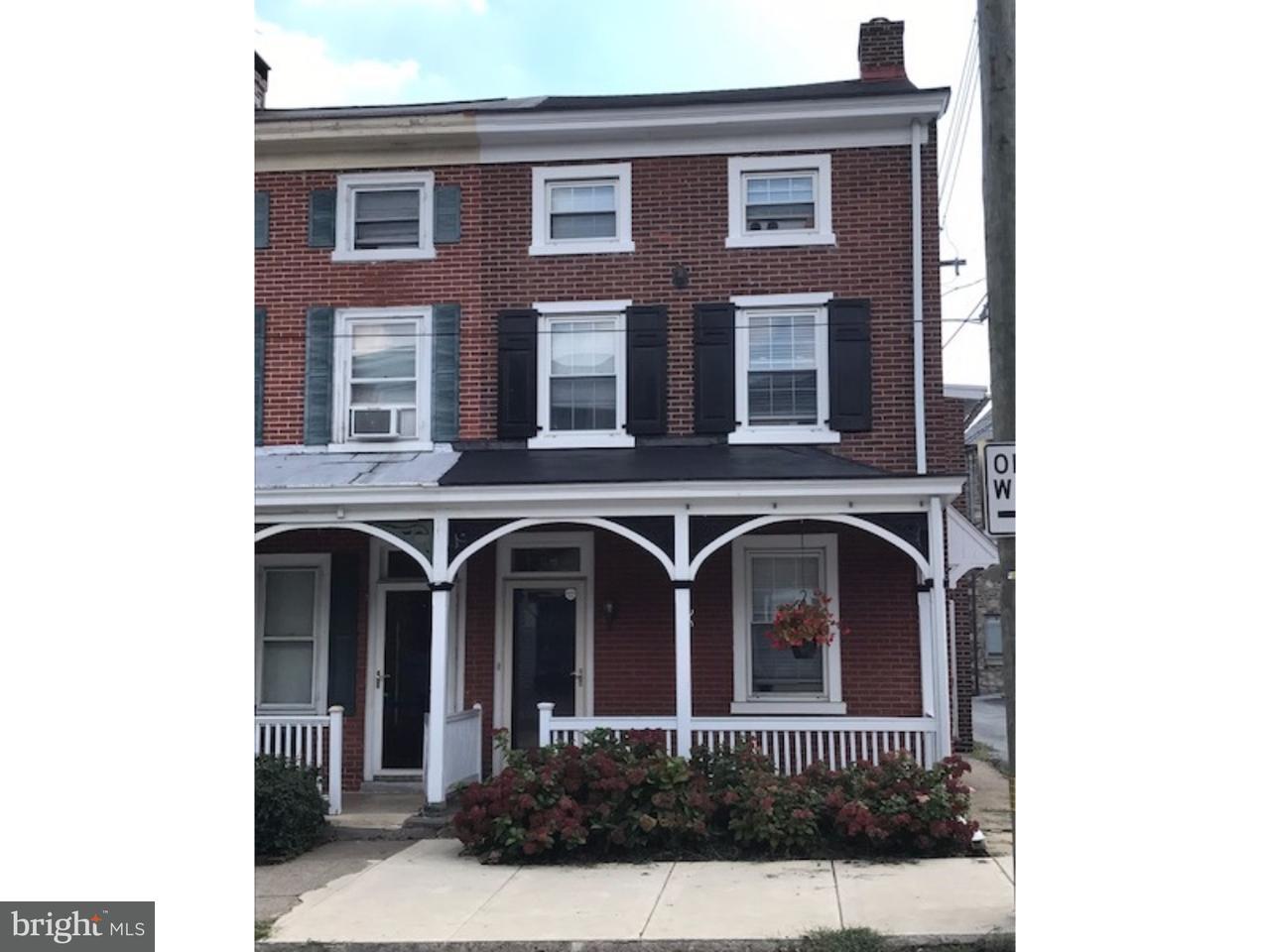 Casa unifamiliar adosada (Townhouse) por un Alquiler en 28 E MINER Street West Chester, Pennsylvania 19382 Estados Unidos